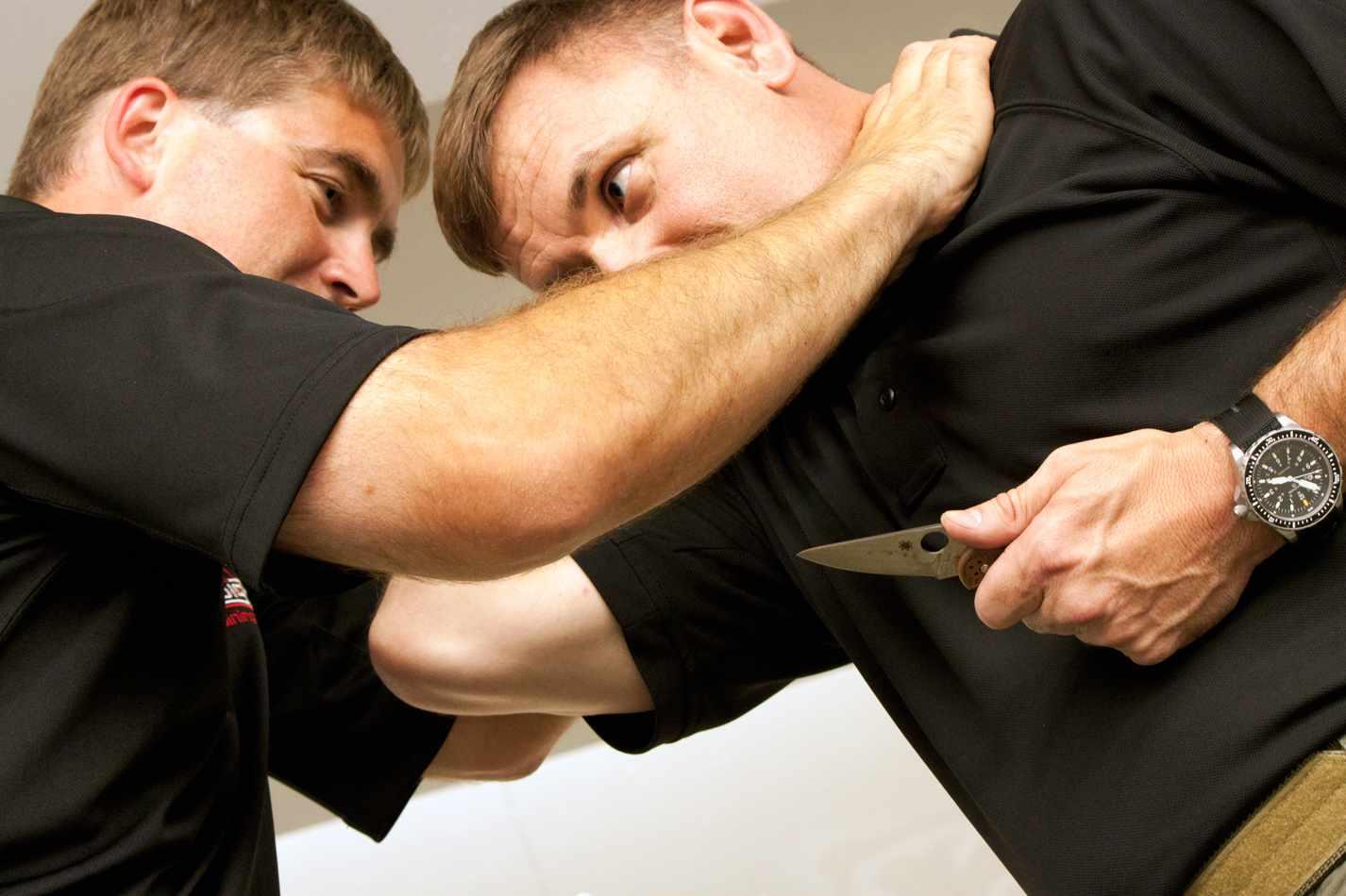 Αυτοάμυνα με μαχαίρι